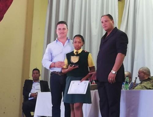 Desert Fruit Sponsors Academic achievement Awards – Karasberg
